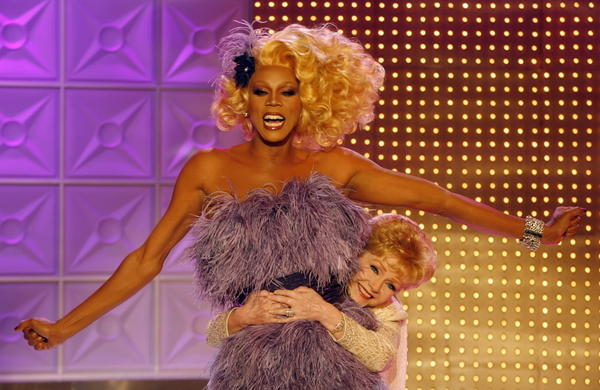 ct-red-0621-rupauls-drag-race-fashion-20130620-001